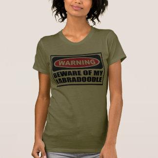 Advertir BEWARE do T-Sh escuro das MINHAS mulheres Camiseta