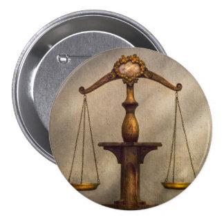 Advogado - escala - justo e apenas boton