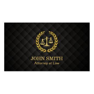 Advogado na escala de justiça do louro do ouro da cartão de visita