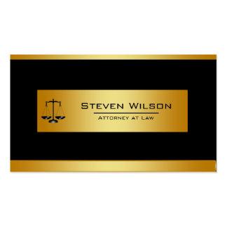 Advogado no preto da lei e na escala legal do ouro cartão de visita