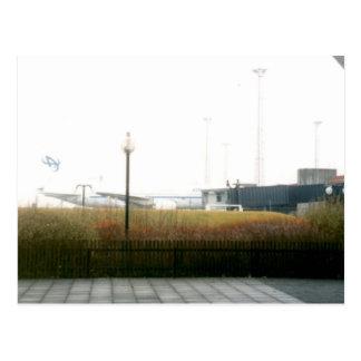 Aeroporto de Keflavik & aviões do islandês 2000 do Cartão Postal