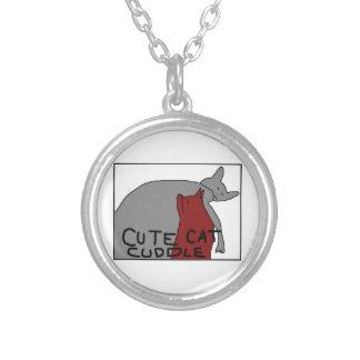 Afago bonito do gato colar banhado a prata