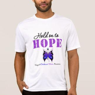 Aferrar-se do curso da infância à esperança tshirts
