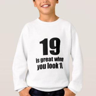 Agasalho 19 é grande quando você olha o aniversário