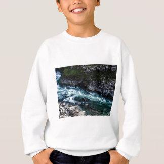 Agasalho córrego de águas esmeraldas
