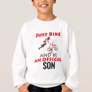 Agasalho filho do cavaleiro da bicicleta