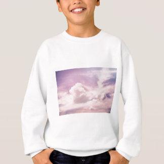 Agasalho Flutuação em nuvens roxas macias
