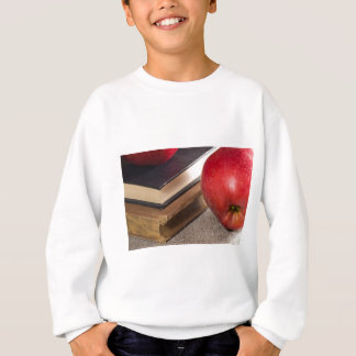 Agasalho Opinião do fim-acima das maçãs vermelhas e velho