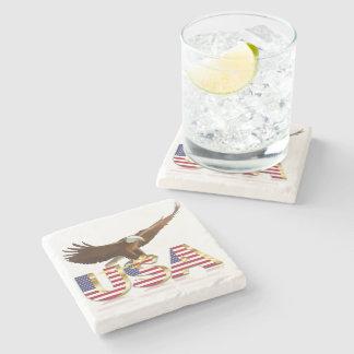 Águia americana na bandeira porta copos de pedra