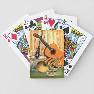 Ainda vida com instrumentos musicais jogo de baralho