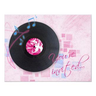 Álbum gravado no convite cor-de-rosa do dance