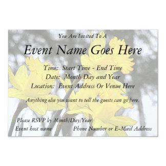 Alcançando para cima - Daffodils amarelos Convite Personalizado