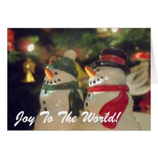 Alegria de sorriso do boneco de neve ao cartão de
