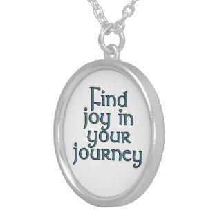 Alegria do achado em sua viagem colar com pendente redondo