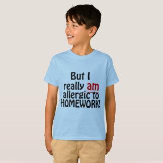 Alérgico à camisa dos trabalhos de casa