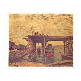 Alfred Sisley - óleo de Brücke im Bau 1885 em canv Cartão Postal