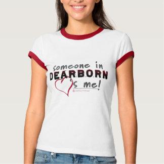 Alguém em Dearborn ama-me! T da campainha das Tshirts