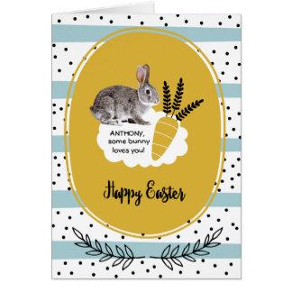 Algum coelho ama-o. Cartões de páscoa feitos sob