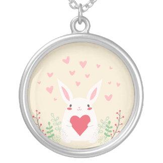 Algum coelho ama-o colar do pendente