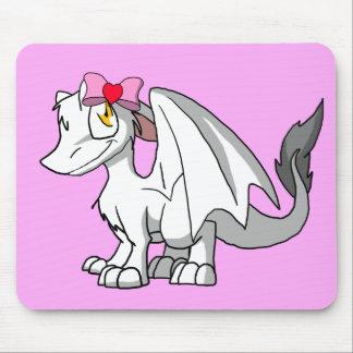 Algum dragão peludo do SD da cor com arco do dia Mouse Pads