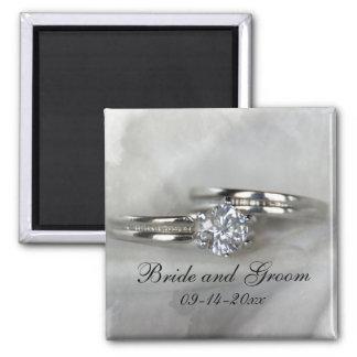 Alianças de casamento em cinzas ímã quadrado