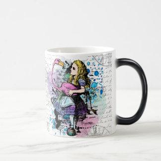 Alice na caneca morphing do país das maravilhas