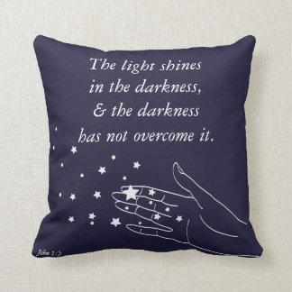 Almofada 1:5 de John a luz brilha na escuridão