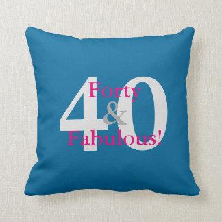 Almofada 40 & fabuloso! Rosa azul & quente do aniversário