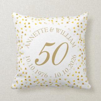 Almofada 50th Confetes dourados dos corações do aniversário