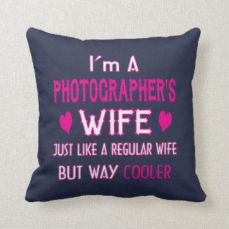 Almofada A esposa do fotógrafo