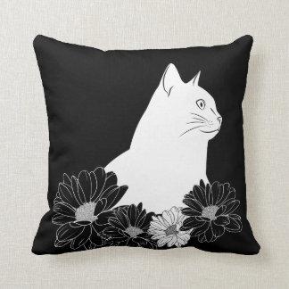 Almofada A lápis preto e branco desenho do gato com flores