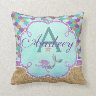 Almofada A sereia personalizou o nome do travesseiro do
