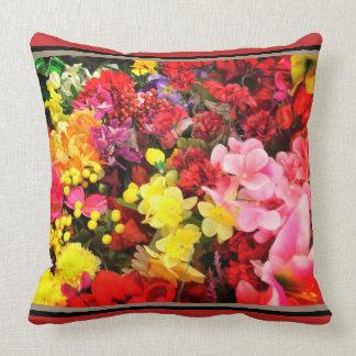 Almofada Acento floral cor-de-rosa amarelo vermelho