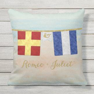 Almofada Aguarela marítima das bandeiras de sinal do