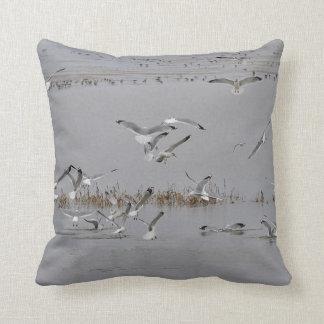 Almofada Alimentação das gaivota de mar