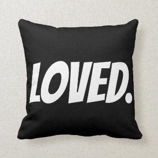Almofada AMADO. (eu te amo) travesseiros