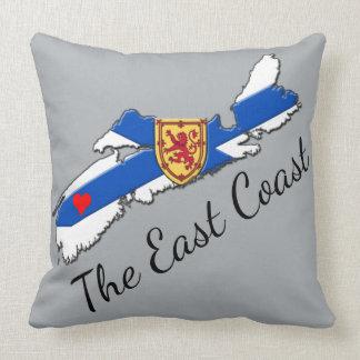 Almofada Ame o azul cinzento do travesseiro do coração N.S.