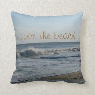 Almofada Ame o travesseiro decorativo da areia do oceano da