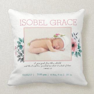 Almofada Anúncio floral do nascimento com verso da bíblia