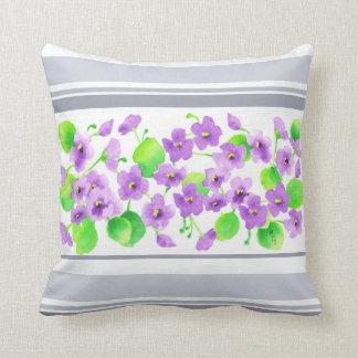 Almofada Aquarela Violeta Flor Decorativa Bonita Clássica