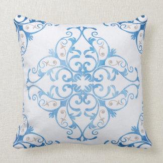 Almofada Arabesque no azul da aguarela
