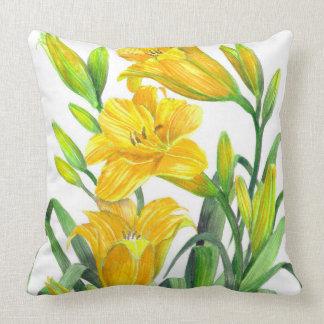 Almofada Arte floral amarela dos lírios de dia da aguarela