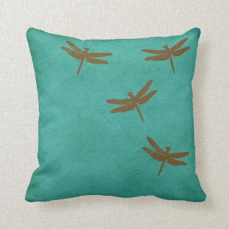 Almofada As libélulas e a cerceta coloriram o travesseiro