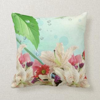 Almofada As orquídeas de vista frescas fazem um travesseiro