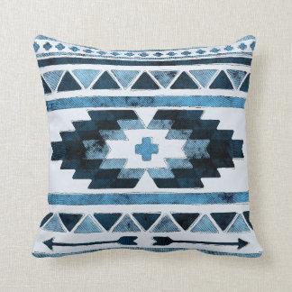 Almofada Asteca azul do Grunge tribal