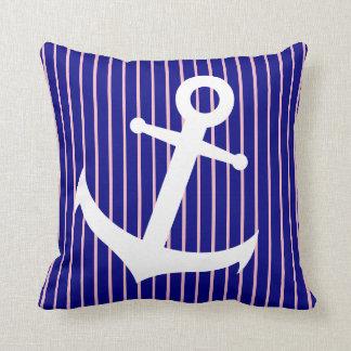 Almofada Azuis marinhos e travesseiro listrado rosa da