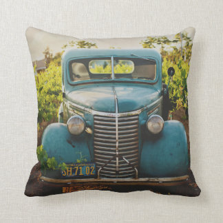 Almofada Azul rústico do automóvel velho do vintage do país