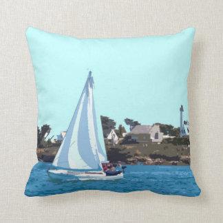 Almofada Barco de navigação no mar