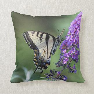 Almofada Borboleta oriental do swallowtail do tigre