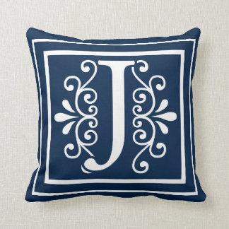Almofada Branco dos azuis marinhos do monograma da letra J